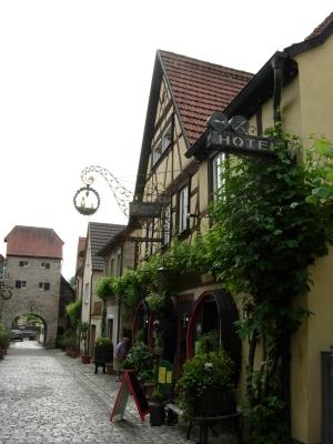 Sommerhausen Weinhaus Düll